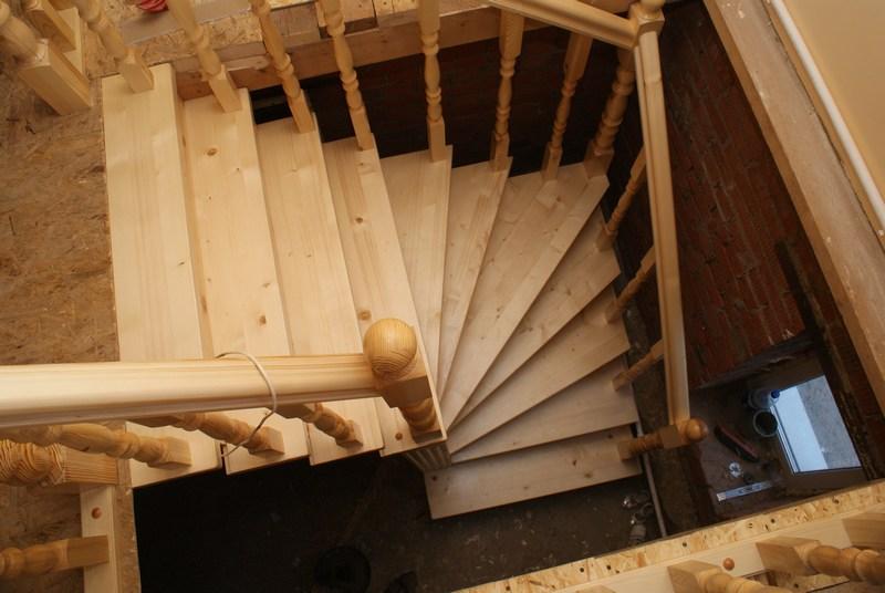 Деревянные лестницы на 2 этаж своими руками